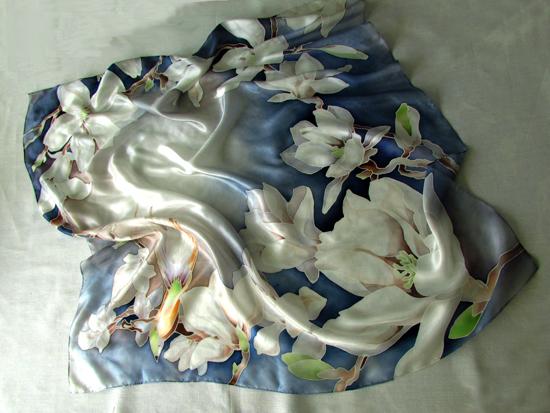 Platok_s_magnoliey